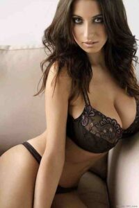 Mumbai Escort In Malad