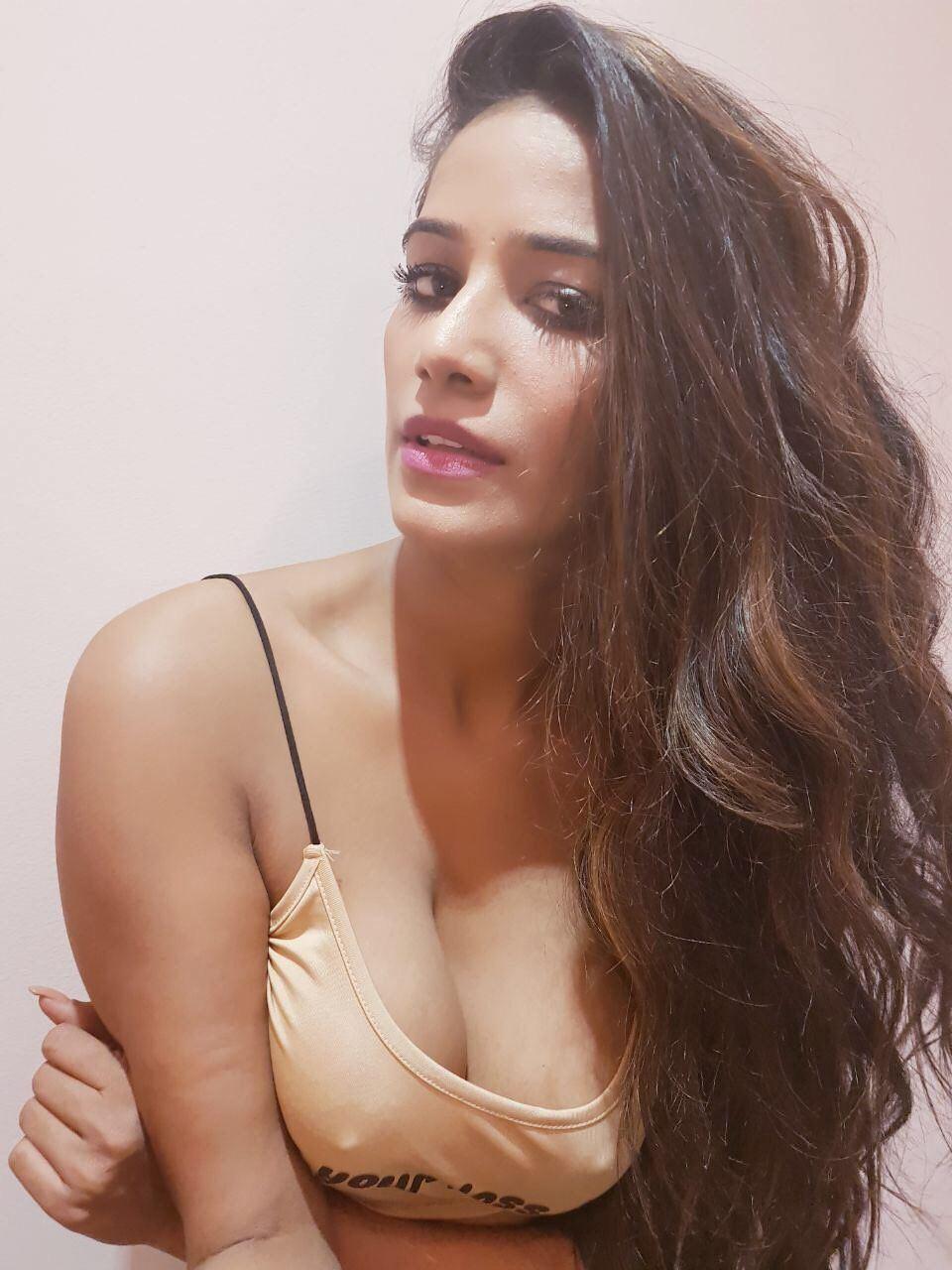 Dream Girl Ritu Sharma Available Mumbai Escorts In Bandra