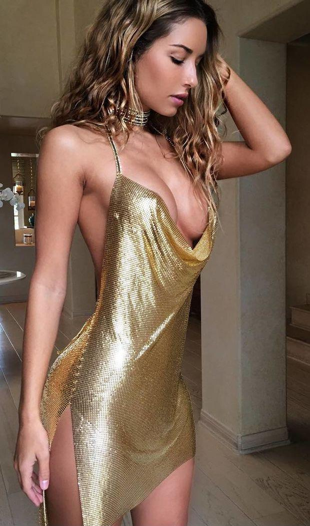 High Class Escorts In Mumbai Will Make You Hard In Your Bed.