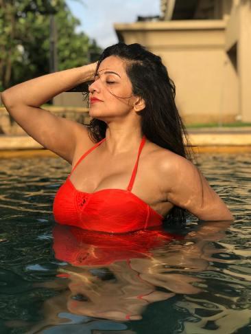 Escort Service In Four Season Hotel Contact Beauty Ritu Sharma.