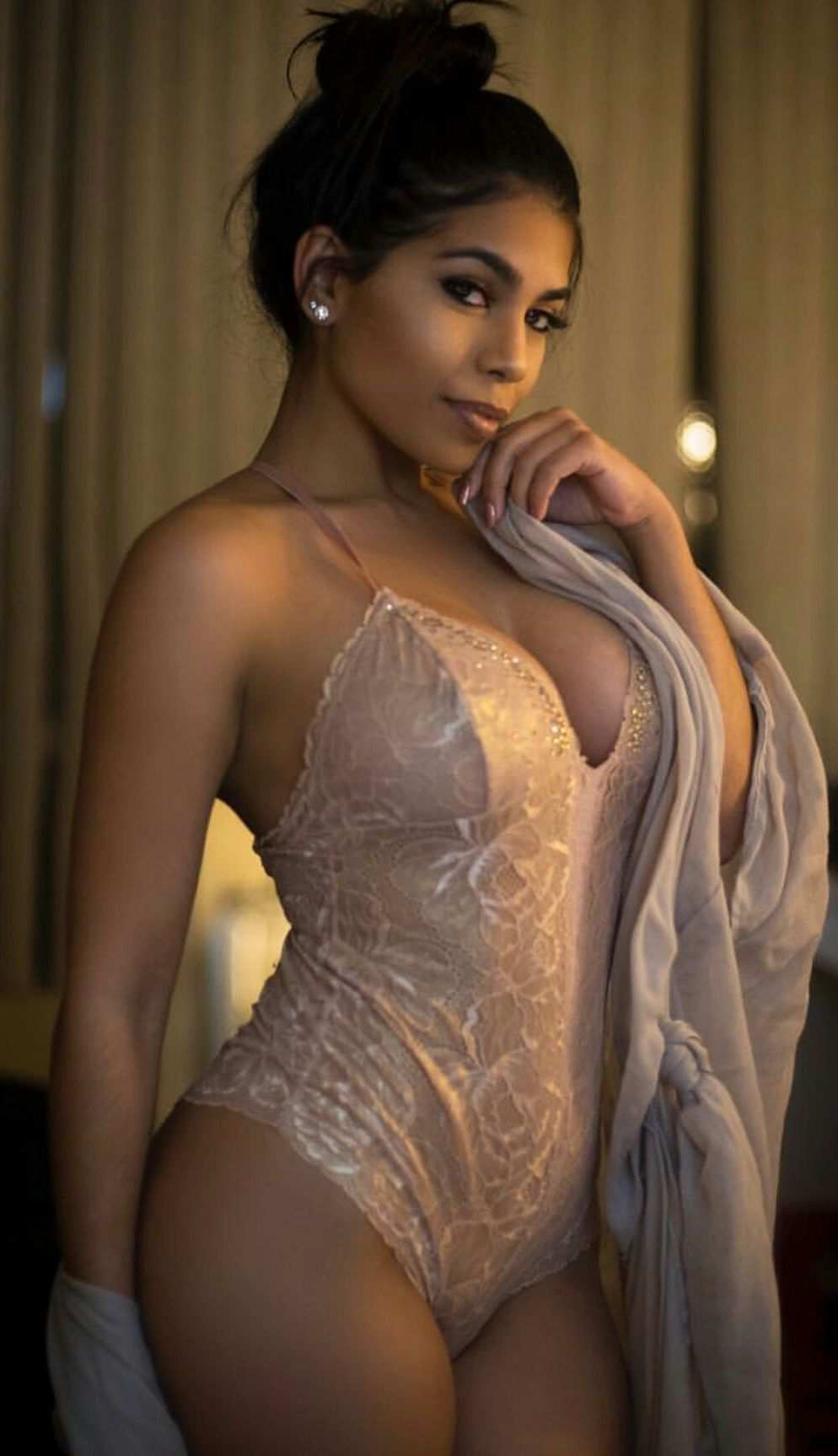 Spend Good Time With My Cheap Independent Escorts In Mumbai For Sexual Pleasure.
