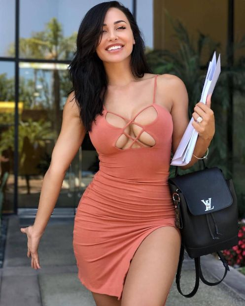 Online Escort Service Is Available For Private Services For Men Call Ritu Sharma.