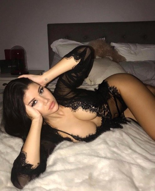 Online Escort Service Are Here For Your Sexual Desires Contact Ritu Sharma.