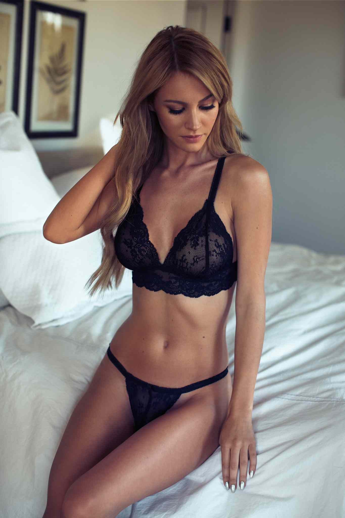 Locanto Escort Service Is Waiting Here For Your Valuable Arrival For A Night.